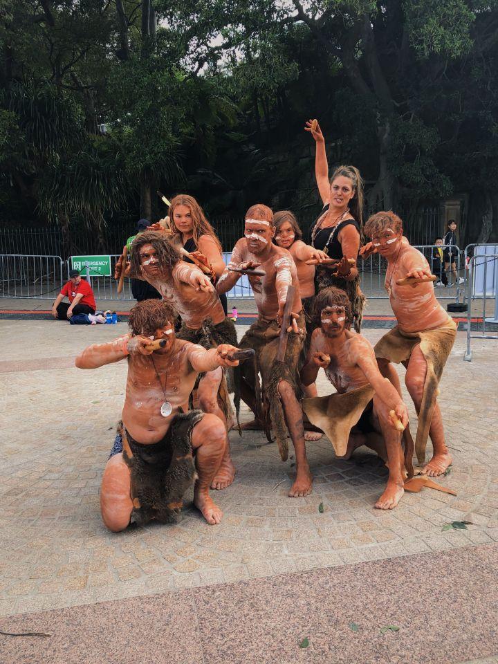 Pakana Kanaplila dancers